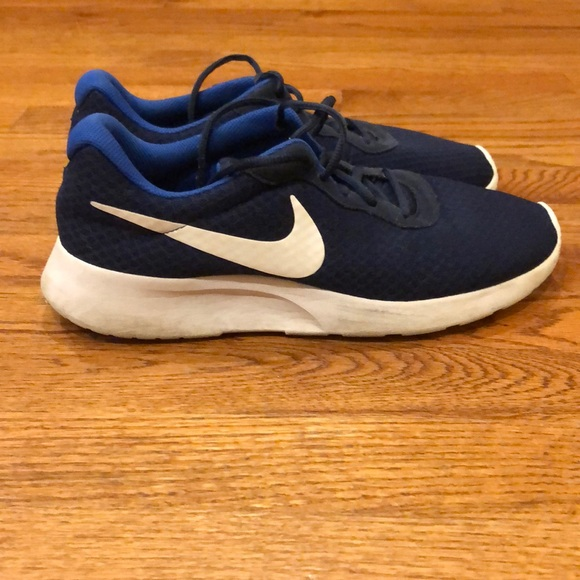 the best attitude wholesale sales nice shoes Nike Tanjun Men's size 9, Midnight Navy and White